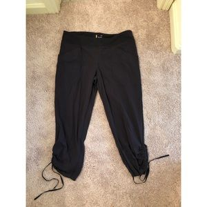 Lucy Activewear Nylon And Spandex Jogger Capris